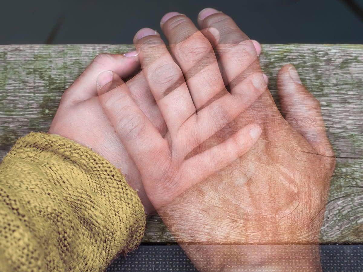 Eine Bestattungsvorsorge hilft den Hinterbliebenen, den Abschied strukturiert angehen zu können.